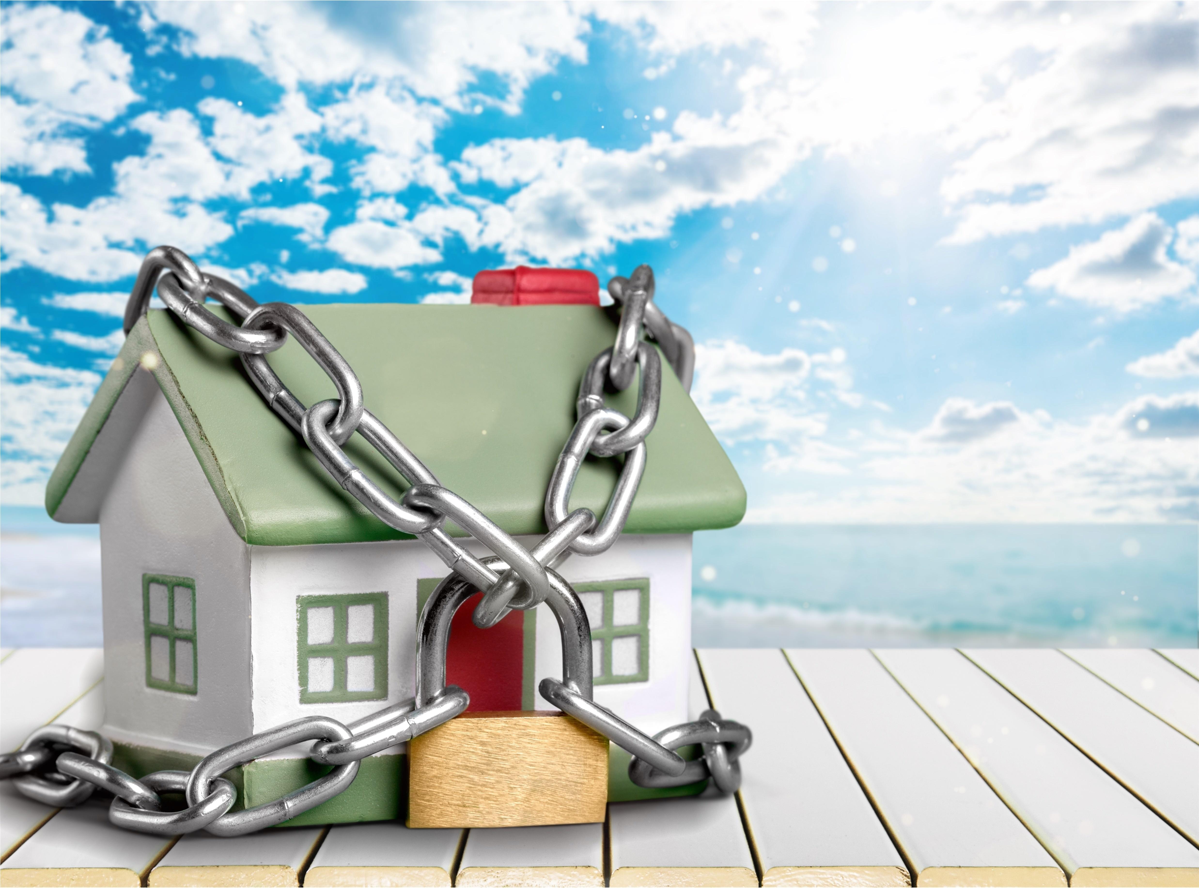 Seguretat per a la vostra casa quan marxeu de vacances